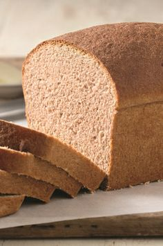 Classic Whole Wheat Bread – A fine-grained, moist, faintly sweet loaf. Classic Whole Wheat Bread – A fine-grained, moist, faintly sweet loaf. Sandwich Bread Recipes, Bread Machine Recipes, Banana Bread Recipes, Loaf Recipes, Cooking Bread, Bread Baking, Bakery Recipes, Real Food Recipes, Yeastless Bread Recipe
