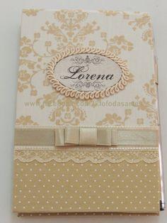 Lembrança de Nascimento, bloco de recado com caneta personalizado. com detalhes em tecido, fitas e renda. www.facebook.com/kfofodasartes