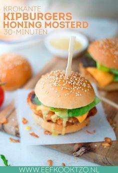 Krokante kipburger met honing mosterdsaus
