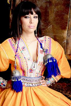 She is Afghan model and actress, she has been living abroad the country for long time therefore she is a bit advance than other models and Afghan actresses. She is famous among the fashion fans, She has introduced traditional clothes of Afghanistan in her modeling career. There are someBeautiful Pictures of Senzel Farhad.