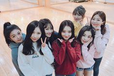 DREAMCATCHER - Dami + Handong +Siyeon + SuA + Yoohyeon + Gahyeon + JiU