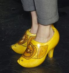 Again.. If I was 18 I would have 2 pair (maybe in different colors) LOL Viktor & Rolf Fall 2007 High-Heeled Dutch Clogs