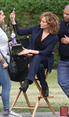Jennifer-Lopez-On-Set-TV-Series-Shades-Blue-Tom-Lorenzo-Site-TLO (7)