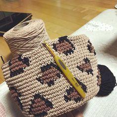 Knitting TechniquesCrochet For BeginnersCrochet ProjectsCrochet Ideas Crochet Motifs, Crochet Shawl, Crochet Stitches, Crochet Patterns, Crochet Gifts, Crochet Baby, Drops Design, Crochet For Beginners, Crochet Clothes