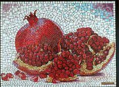 No photo description available. Pebble Mosaic, Mosaic Glass, Mosaic Tiles, Mosaics, Mosaic Art Projects, Mosaic Crafts, Mosaic Artwork, Mosaic Wall Art, Mosaic Designs
