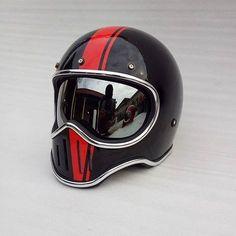 64 trendy Ideas for motorcycle art helmet Motorcycle Helmet Design, Cafe Racer Helmet, Bobber Motorcycle, Motorcycle Style, Women Motorcycle, Bobber Chopper, Retro Helmet, Vintage Helmet, Bobber Helmets