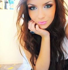 Makeup & hair. Cool pink lipstick. Like the white eye liner!