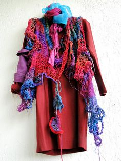 Outside it may be raining, in here it´s entertaining - magical scarf by MizzieMorawez, via Flickr