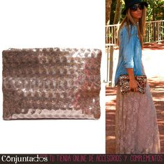 Nuestra cartera de mano con lentejuelas circulares en rosa nude también queda fenomenal con casual #outfits ★ Precio: 12,95 € en http://www.conjuntados.com/es/bolso-cartera-de-mano-con-lentejuelas-circulares-en-rosa.html ★ #novedades #bolso #handbag #purse #pailletes #party #accesorios #complementos #trendy #tendencias #moda #estilo #style #GustosParaTodas #ParaTodosLosGustos #chic #luxe #love #LaVieEnRose