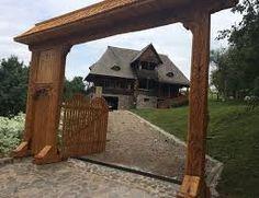 Imagini pentru breb maramures Romania, Pergola, Outdoor Structures, Plants, Outdoor Pergola, Planters, Arbors, Plant, Planting