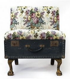 and Old Trunk Chaise