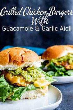 These Grilled Chicken Burgers are the best summer grill recipe for the entire family! Pair with tasty guacamole and garlic aioli for the perfect finish! Burger Toppings, Burger Recipes, Soup Recipes, Vegetarian Recipes, Healthy Recipes, Panini Recipes, Slider Recipes, Entree Recipes, Recipes Dinner