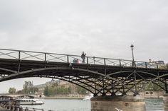 Amanecemos en Marais. Iremos tras las huellas de Quasimodo y Hemingway. Entregaré mi barba a un hipster. Cruzaremos los puentes más románticos de París. Comeremos en el sitio de moda. fotos ©David Suárez Fernández