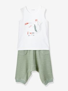 A dragon motif, a cool look and comfortable style... The pyjamas everyone will love!   Plain tank top in jersey knit:  Dragon motif on the front.</