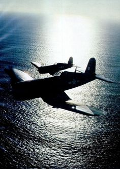 A pair of Vought F4U Corsairs. In: Flying Magazine, Jun 1977.