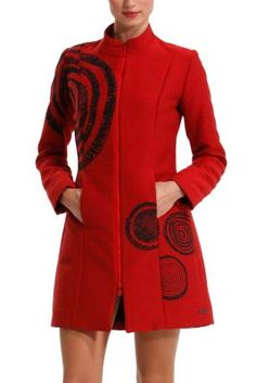 Desigual women's E Love coat. It has two very practical front pockets. Two-way…