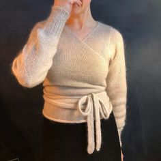 Ravelry: Ballet Blusen pattern by Knit Collective Cph Wrap Sweater, Textiles, Diy Clothing, Crochet Yarn, Pretty Outfits, Making Ideas, Knitwear, Knitting Patterns, Pullover