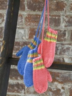 Yarnspirations.com+-+Kit Striped Mittens, free pattern