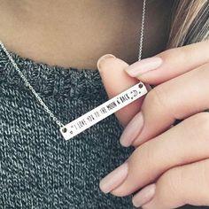 L'e-shop des bijoux fantaisie tendance à prix mini. Des colliers fantaisie et bracelets de créateur originaux, la tendance du moment du bijoux fantaisie.