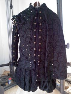 Man's Renaissance Court Wardrobe Doublet Sleeves Slops and Cape