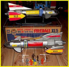 Vintage Toys 1970s, 1960s Toys, Retro Toys, Thunderbirds Are Go, Sci Fi Tv Shows, Space Toys, Cleaning Toys, Blue Dog, Vinyl Toys