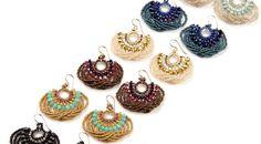 Materials: Miyuki Triangle Matte Silverlined Cobalt - 1 tube T Seed Bead Jewelry, Bead Jewellery, Seed Bead Earrings, Seed Beads, Beaded Earrings Patterns, Bracelet Patterns, Bracelet Crafts, Jewelry Crafts, Handmade Bracelets