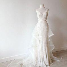 B R I D E // Make a statement in the sequin Ellery #weddingdress by @kwhbridal #karenwillisholmes #kwhbridal #sequinweddingdress