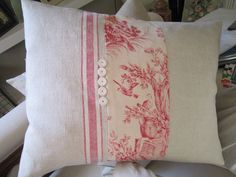 Vintage French linen :: cushion