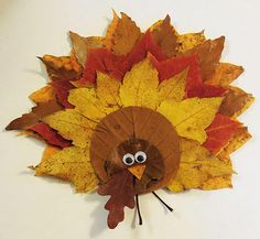 Amazing Thanksgiving Diy Decoration Ideas are really easy to make and looks so unique. Get your family around making that day special by crafting one of these Thanksgiving Diy Decorations. Leaf Crafts, Fall Crafts, Holiday Crafts, Halloween Crafts, Holiday Ideas, Fall Halloween, Holiday Parties, Holiday Fun, Autumn Leaves Craft