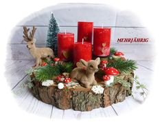 Advent wreath - Advent wreath / Advent arrangement on wooden disc - a designer piece . Christmas Swags, Xmas Wreaths, Easy Christmas Crafts, Modern Christmas, Simple Christmas, Christmas Holidays, Christmas Ornaments, Christmas Centerpieces, Xmas Decorations