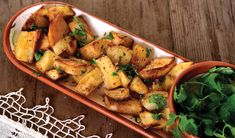 Lyk hierdie aartappels in Libanese styl nie net heerlik nie? Potato Gardening, Kung Pao Chicken, Quick Easy Meals, Potato Salad, Side Dishes, Potatoes, Vegetables, Ethnic Recipes, Smoothie