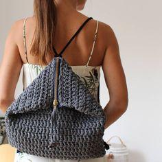 """Nueva mochila """"Maxi bag"""" ahora que llega el otoño/invierno siempre llevo más cosas encima...guantes, gafas, monedero... Éste modelo es perfecto! Además de ser bonita cabe de todo y es muy cómoda Espero que os guste muuuucho ❤"""
