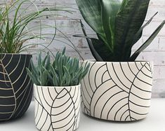 MADE TO ORDER - large ceramic planter - all white with black leaves planter - modern ceramics - minimalist - large pottery planter - leaf carved large ceramic planter – ceramic container – utensil holder – wheel thrown planter - Painted Plant Pots, Painted Flower Pots, Decorated Flower Pots, House Plants Decor, Plant Decor, Large Ceramic Planters, Decoration Plante, Thrown Pottery, Ceramic Flowers