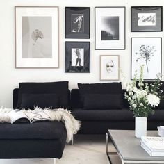 As it's black and white, it may fit in nearly every room. Designing your living room elegantly is one of the fantastic ideas. Always new and advanced, the black white living room is just one of the ideal choices for… Continue Reading → Black Couches, Dark Couch, Black Sectional, Black Couch Decor, White Sofas, Black And White Interior, Black And White Living Room Ideas, Black And White Photo Wall, Black And White Wall Art