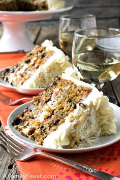 This Carrot Cake is a super moist decadent carrot cake loaded with all sorts of delicious ingredients including carrots raisins pineapple applesauce coconut and walnuts Just Desserts, Delicious Desserts, Yummy Food, Baking Recipes, Cake Recipes, Dessert Recipes, Baking Pan, Gateaux Cake, Cake Toppings