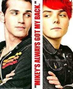 My Chemical Romance ~ Gerard Way and Mikey Way Good Charlotte, Asking Alexandria, Gerard Way, Emo Bands, Music Bands, My Chemical Romance, Mikey Way, Black Parade, Black Veil Brides