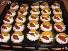 Linecké košíčky s tvarohovou plnkou a ovocím