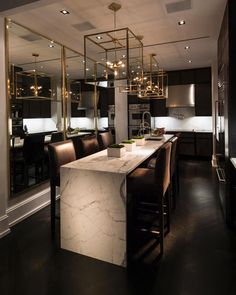 Looking for luxury kitchen design inspiration? Look into our leading 63 favorite examples of seriously trendy luxury kitchen areas and unique. Interior Design Minimalist, Interior Design Kitchen, Interior Ideas, Luxury Interior Design, Room Interior, Classic Interior, Interior Paint, Marble Interior, Design Interiors