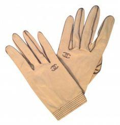 ** Chanel vintage leather gloves