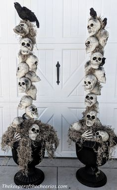 38 Extravagant Outdoor Halloween Decorations That Everyone Will Be Admired Of - . - 38 Extravagant Outdoor Halloween Decorations That Everyone Will Be Admired Of – Few things are mo - Casa Halloween, Halloween Outside, Halloween Home Decor, Halloween Desserts, Halloween Projects, Holidays Halloween, Happy Halloween, Halloween Stuff, Halloween Costumes
