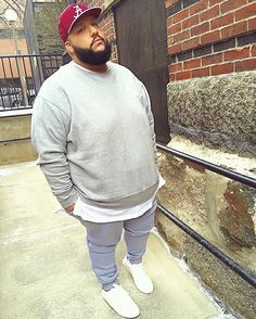 Dope chill look by chubby men fashion, large men fashion, big Chubby Men Fashion, Large Men Fashion, Big Fashion, Look Fashion, Future Fashion, Street Fashion, Mens Fashion Blazer, Mens Fashion Sweaters, Plus Size Men