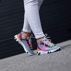 Nike Air Shoes, Nike Shoes Outlet, Sneakers Nike, Trendy Shoes, Cute Shoes, Sneakers Fashion, Fashion Shoes, Shoe Basket, Fresh Shoes