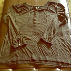 Size xxl semi baby dolly style grey old navy shirt This is a xxl grey old navy shirt with 3/4 buttons. It has a semi baby doll look on and is very flowy. It's thin but still very good quality. Only been worn a handful of times Old Navy Tops