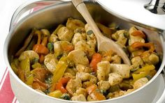 Chicken with colourful peppers - iCookGreek Pasta Al Pesto, Greek Cooking, Chicken Stuffed Peppers, Greek Recipes, Kung Pao Chicken, Ratatouille, Meatloaf, Chicken Wings, Poultry