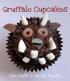 Aren't these simply the cutest? Love the Gruffalo cupcakes Gruffalo Activities, Gruffalo Party, The Gruffalo, Activities For Kids, Outdoor Activities, Gruffalo Trail, Gruffalo Costume, Gruffalo Eyfs, Halloween Treats For Kids