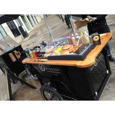 Triporteur NIHOLA de vente ambulante Bike Shops, Tacos, Retail, Sweets, Display, Urban, Store, Coffeemaker, Wood