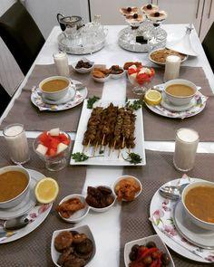 Salam habibayti bsha ftourokm😍😘 Iftar, Food N, Food And Drink, Ramadan Decoration, Bangladeshi Food, Cuisine Diverse, Party Finger Foods, Breakfast Buffet, Food Goals