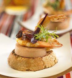 recetas-montadito-de-foie-con-langostinos-y-pasas