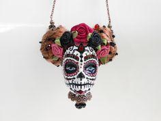 Sautoir tête de Barbie crâne mexicain rose et cuivre