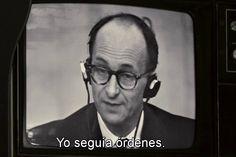 Eichmann en juicio- ¿Cómo describir a la protagonista de la película? Hannah Arendt (1906-1976) era esa niña salvaje germano-judía que se embarcó en una historia de amor adolescente con un profesor casado que la doblaba en edad, el rey filósofo (y futuro nazi) Martin Heidegger; quien escribió su tesis sobre el concepto de amor en los escritos de San Agustín; quien, disfrazada como chica de harem, conoció a su primer marido en un baile de máscaras-marxista patrocinado por el Museo de…